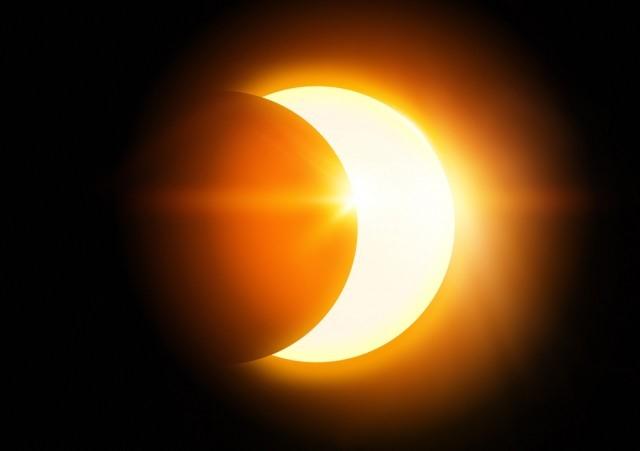 Le Soleil a rendez-vous avec laLune